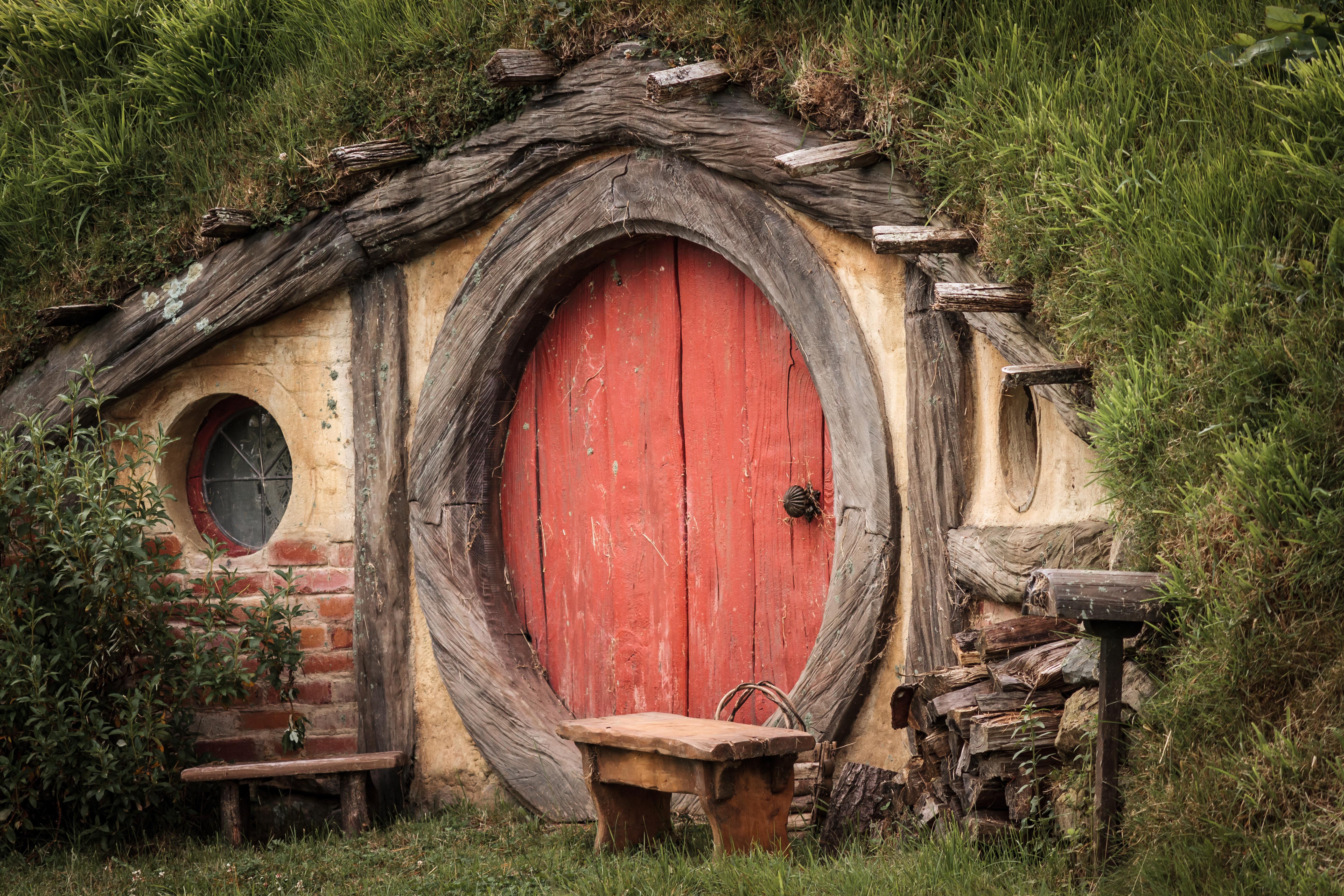 Une maison de hobbit en c te d 39 or - Maison de hobbit en france ...