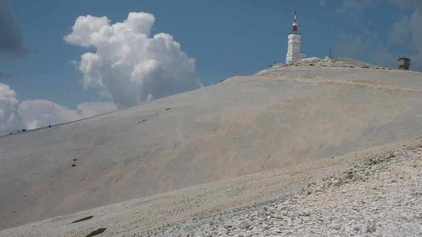 Le sommet du Mont Ventoux en Vaucluse, juin 2014