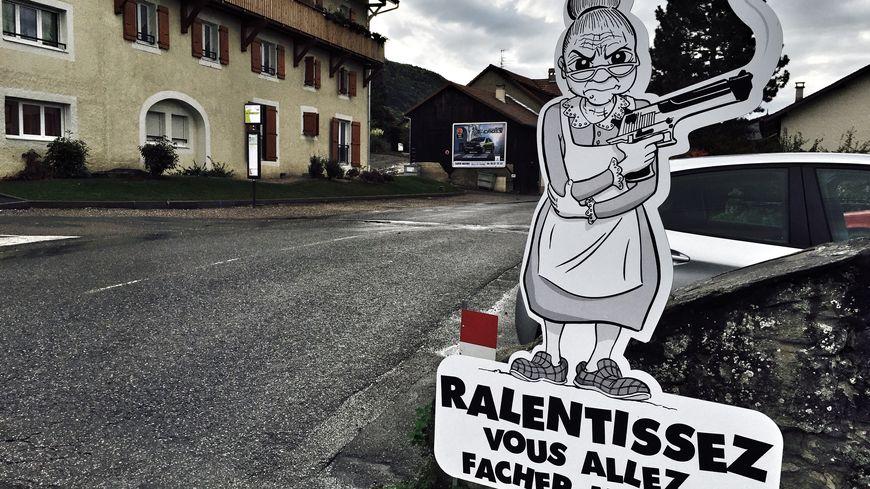Alcool Au Volant >> HAUTE-SAVOIE   À Saint-Cergues, des personnages de BD et ...