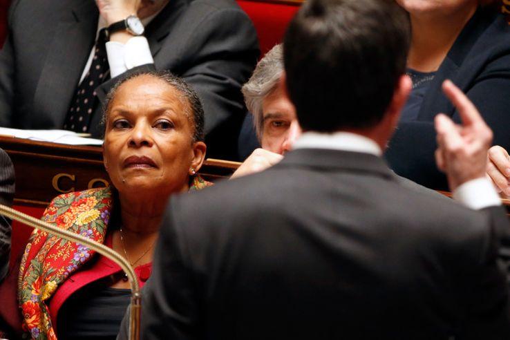 Christiane Taubira le 12 janv 2016 sur les bancs du gouvernement à l'Assemblée