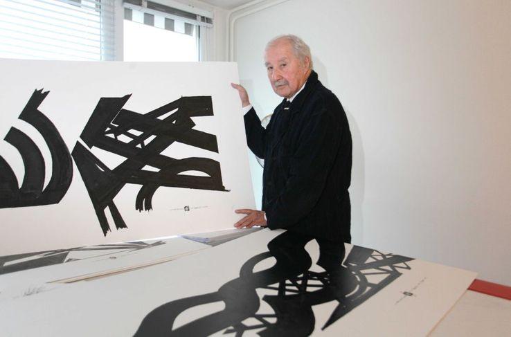 Claude Parent dans son atelier en 2009