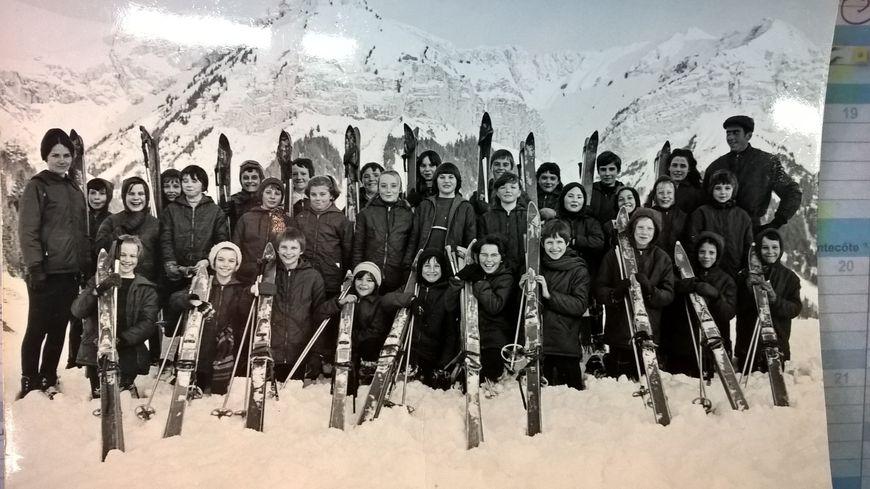 Souvenirs de la premi re classe de neige du nord organis e for Piscine trith saint leger