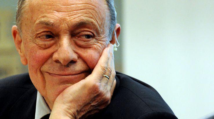 Michel Rocard lors d'une conférence, en 2013.