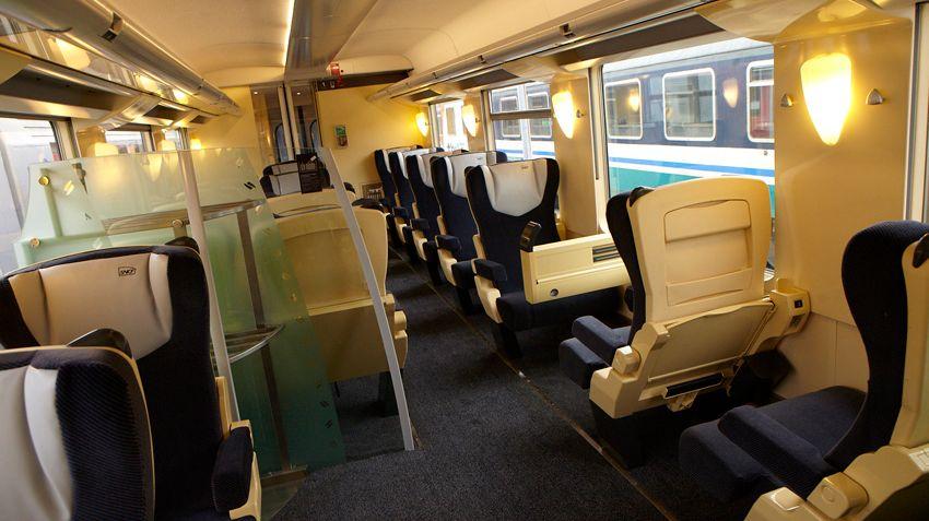 des rames remises neuf pour les trains intercit s de la ligne polt. Black Bedroom Furniture Sets. Home Design Ideas