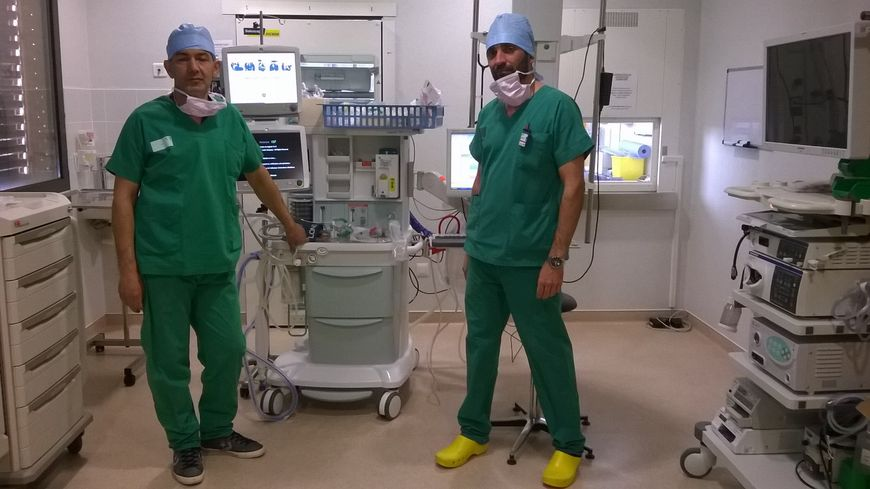 Les infirmiers anesth sistes du gard en gr ve pour - Grille salaire technicien de laboratoire ...
