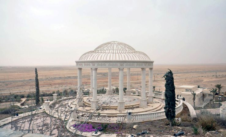A l'image de ce palace, la cité antique n'est pas entièrement détruite