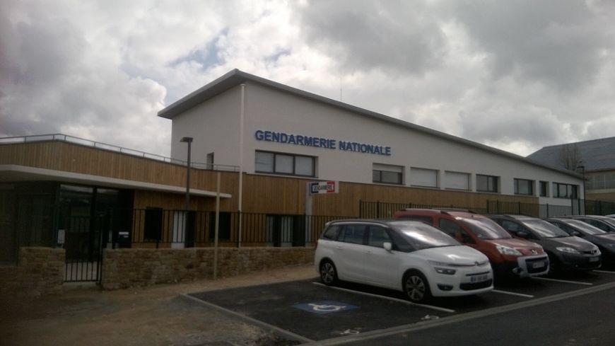 La toute nouvelle gendarmerie de la glacerie nous ouvre - Nouvelle grille indiciaire gendarmerie ...
