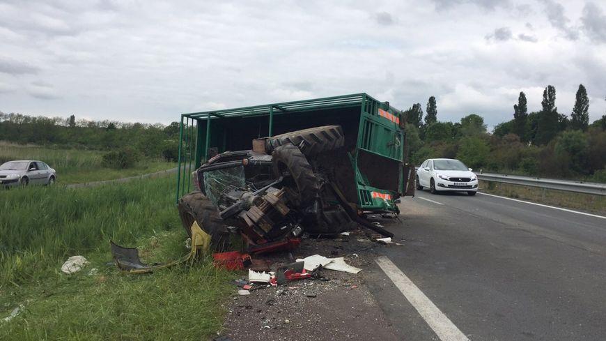 Accident entre un camion et un tracteur transportant des for Accident mortel a salon de provence