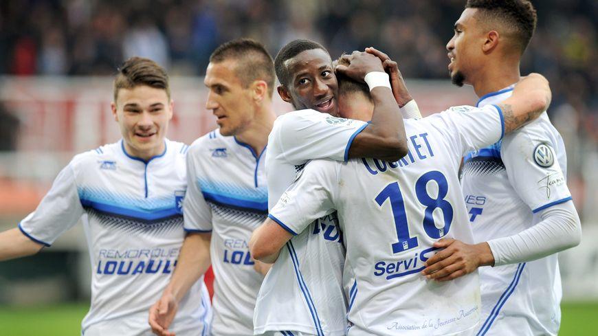 ผลการค้นหารูปภาพสำหรับ Auxerre 2016/2017