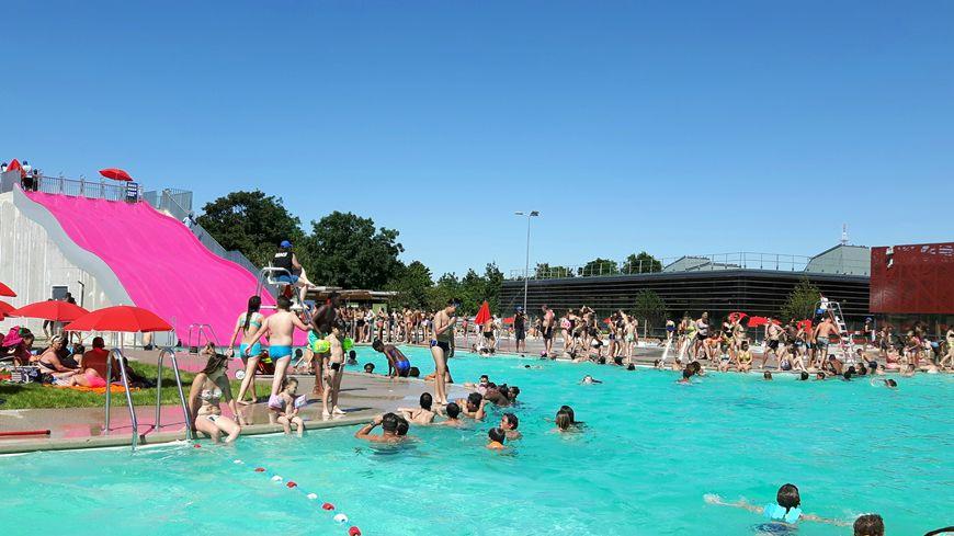 La nouvelle piscine colo de montreuil prise d 39 assaut for Piscine ecologique montreuil