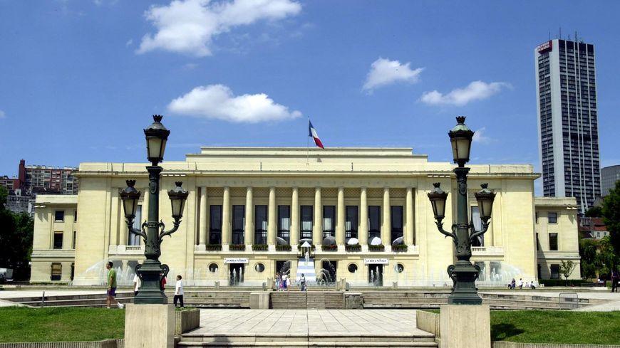 1 million d 39 euros d 39 amende pour l 39 office hlm de puteaux for Piscine ile de puteaux