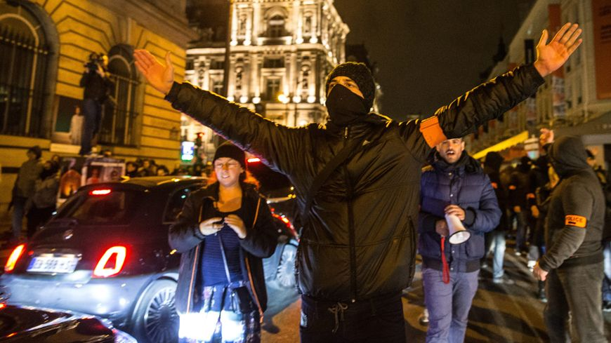 870x489_manifestation-policiers-francebl