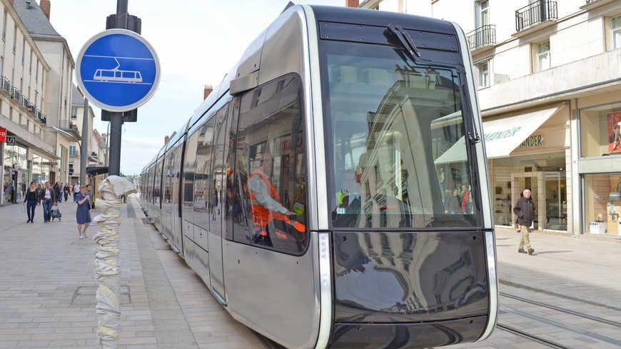 tours frauder le tramway co te d sormais plus cher. Black Bedroom Furniture Sets. Home Design Ideas