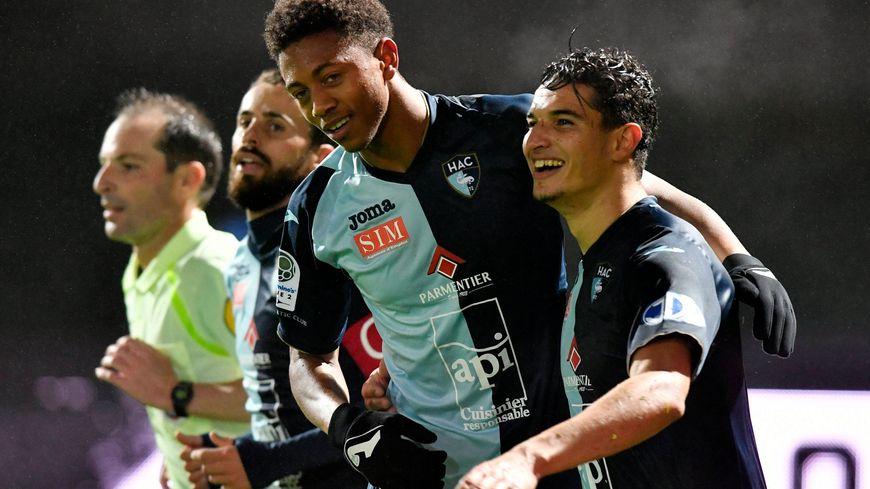 Ligue 2 le havre ac se reprend sur la pelouse du stade - Passage bleu laval ...