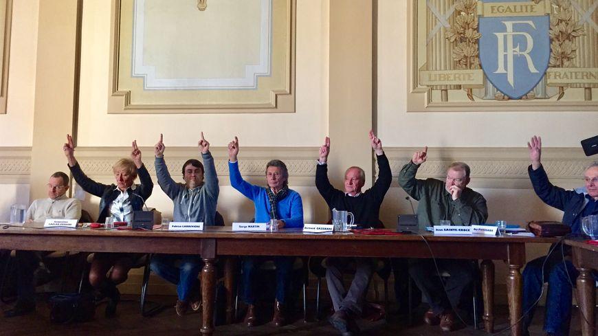 Une partie des élus d'Orthez pour l'autonomie de Sainte-Suzanne