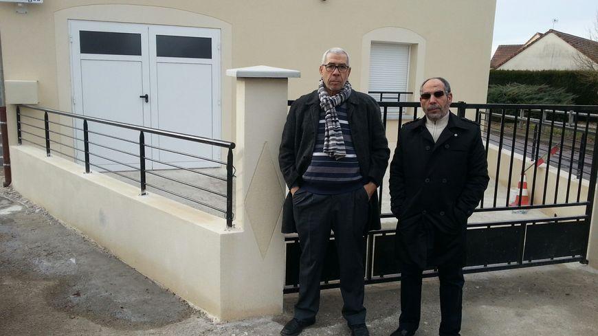 Saïd Salloum et Mohammed Arakik, président et vice-président de l'association cultuelle et culturelle de Saint-Valérien (Yonne)