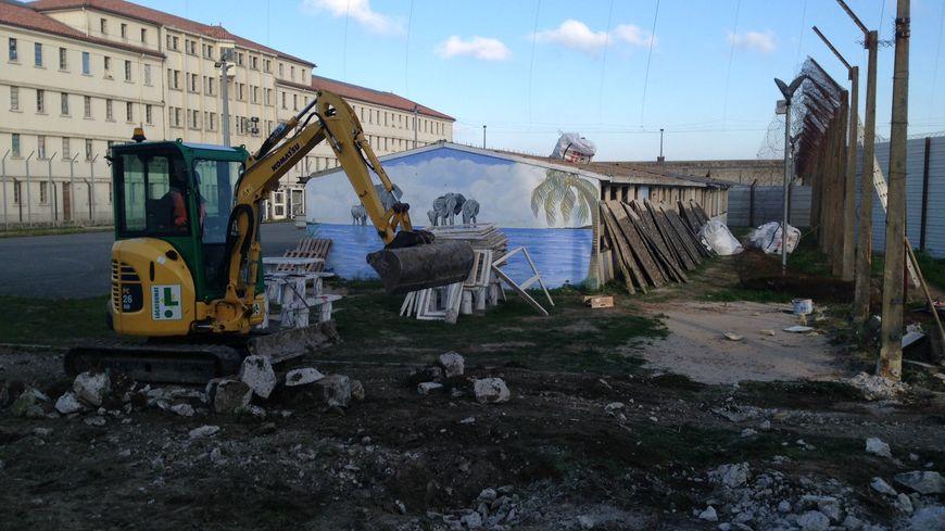 La destruction des casinos de Saint-Martin-de-Ré était demandée depuis plus d'un an par le député Olivier Falorni