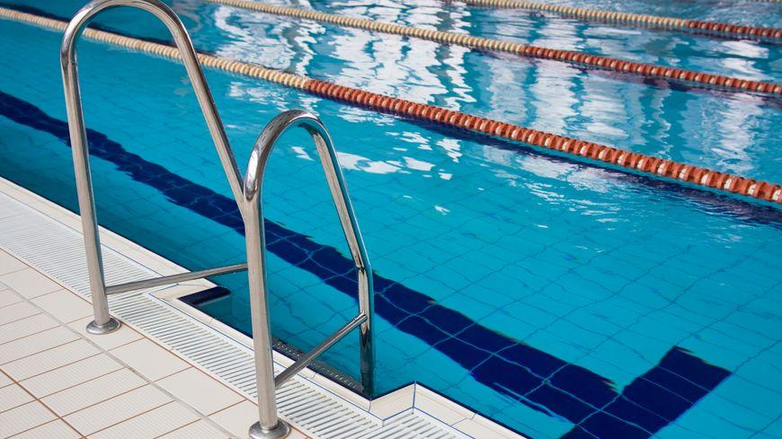 Loire une fillette de chazelles sur lyon meurt dans une piscine municipale - Piscine municipale cabourg lyon ...