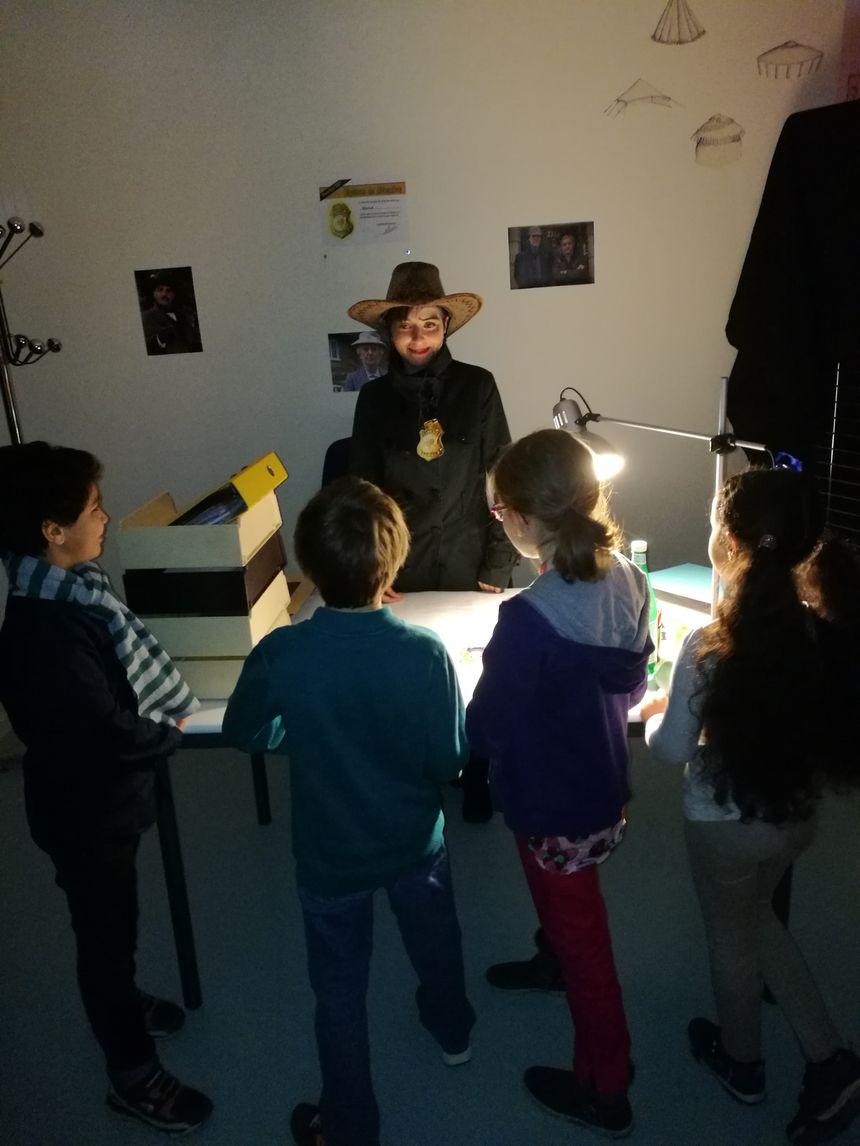 Les enfants ont été reçus dans le bureau de l'enquêtrice, Sarah Perreau, alias Scherlock - Radio France