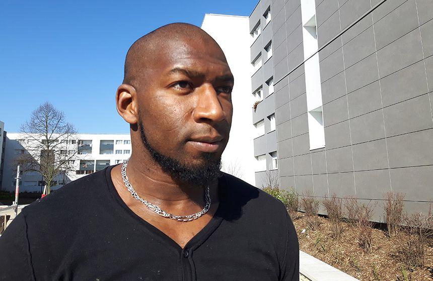 Hadama traoré à Aulnay-sous-Bois - Radio France