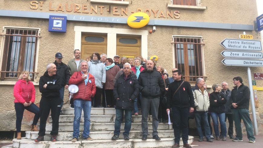 une p 233 tition contre la fermeture du bureau de poste de laurent en royans