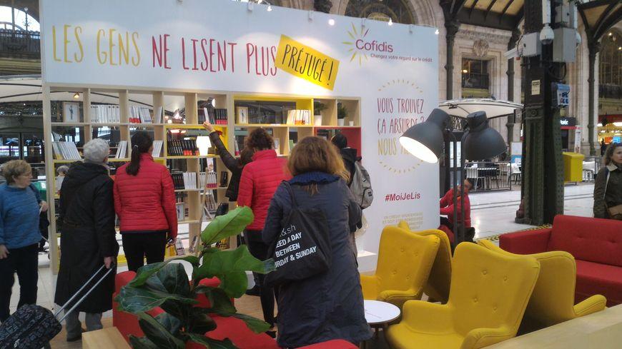 La bibliothèque éphémère est en gare de Lille Flandres jusqu'au jeudi 2 mars