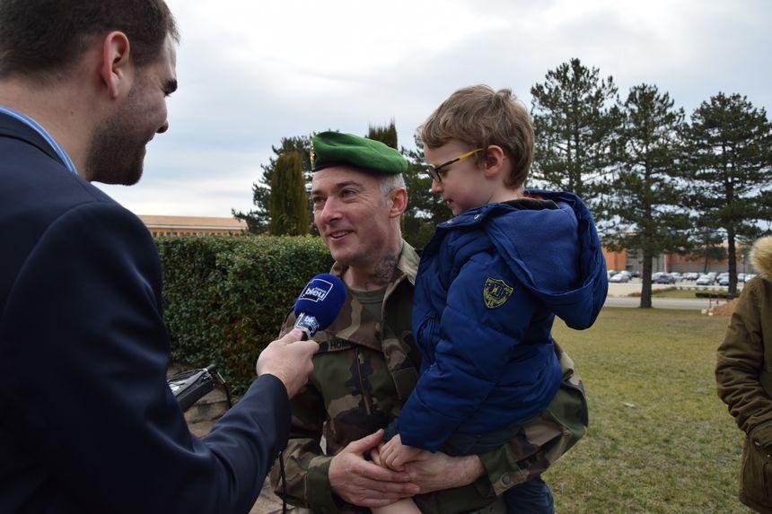 Jérôme nouveau réserviste au micro de France Bleu Vaucluse (crédit : Armée française) - Aucun(e)