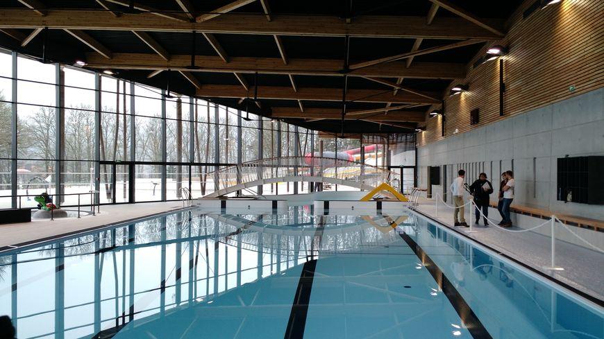 La nouvelle piscine de saint pardoux s duit ses premiers for 42 ecole piscine