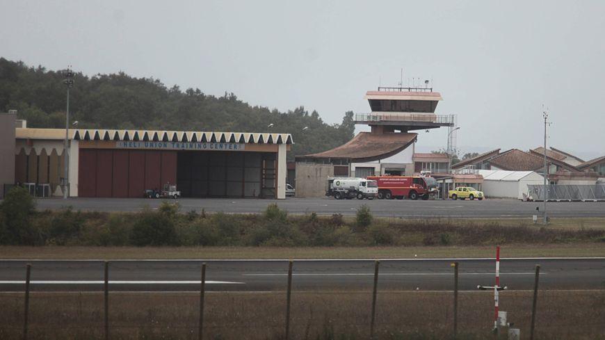 Un avion de tourisme se retourne sur l 39 a roport d 39 angoul me cognac - Office de tourisme d angouleme ...
