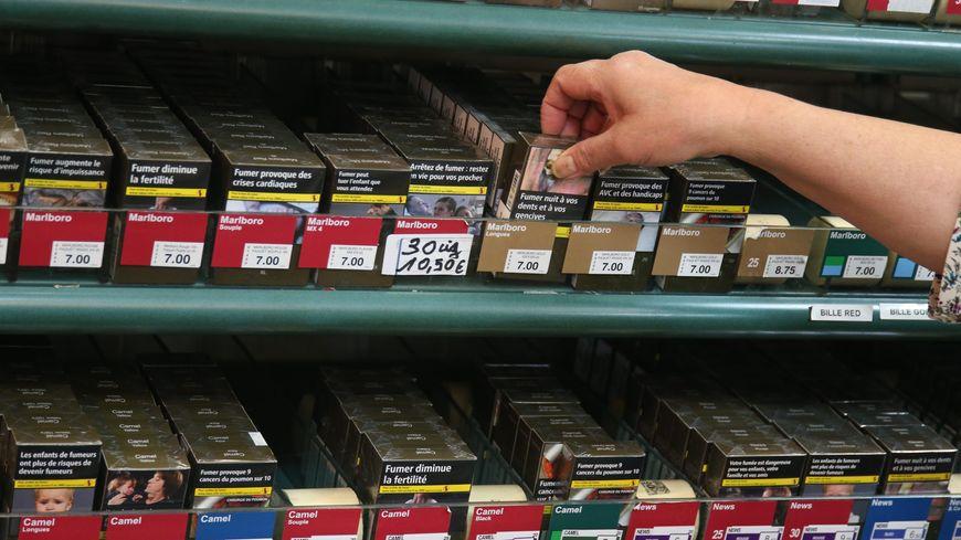 tabac le prix de certaines cigarettes change ce lundi. Black Bedroom Furniture Sets. Home Design Ideas