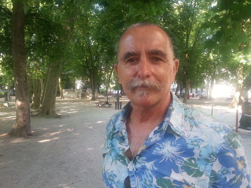 """""""Nous n'avons pas d'arme à feu alors que nous la réclamons depuis trois ans"""" explique Daniel Rozzi, délégué du Syndicat national des policiers municipaux à Besançon. - Radio France"""