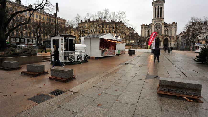 Comment booster l 39 attractivit du centre ville de saint - Piscine saint etienne de saint geoirs ...