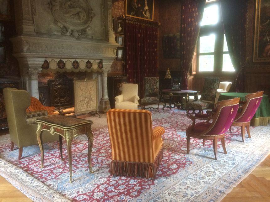 Le grand salon du château et son nouveau mobilier - Radio France