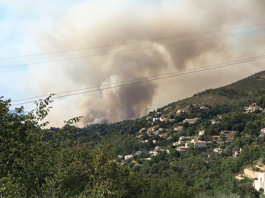 Incendie à Castagniers - Radio France