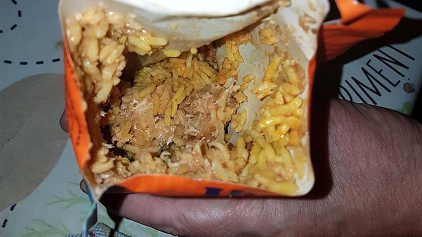 vidÉo - une marseillaise découvre des vers dans un paquet de riz