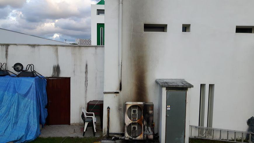 La pompe a chaleur du bâtiment a pris feu