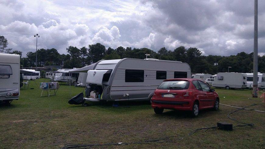 Environ 80 caravanes se sont installés sur les terrains de Romainville à Pessac.