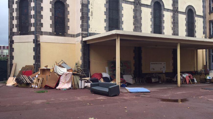 l'ancienne école servait de refuge aux sans abris