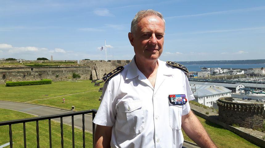 Datant de nous Navy enrôlés uniformes